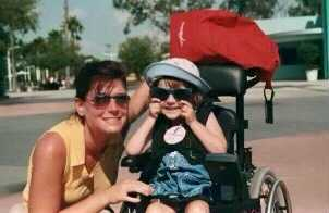 lessons \ SMA News Today \ A color photo from two decades ago of a very young Halsey with her mom at Disney World.